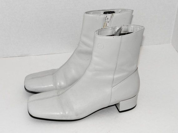 3184efcf38 Vintage 60's Twiggy White Above Ankle by MyYourTreasure on Etsy, need boots  like this