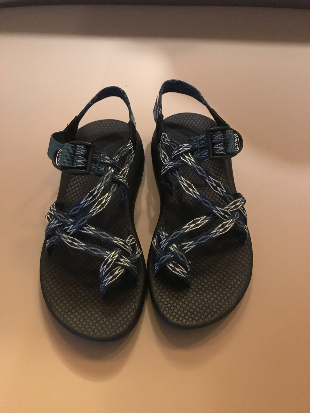 Like New Women S Size 7 Chacos They Are Green With A White And Green Diamond Design They Have A Different But Similar Desig Chacos Water Shoes Chacos Sandals