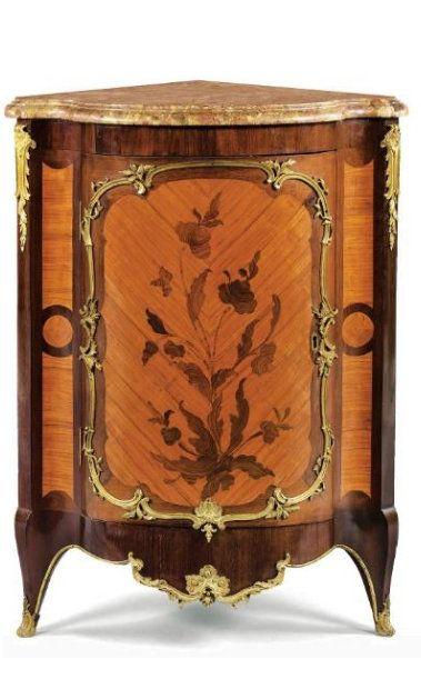 Belle Paire D Encoignures En Marqueterie De Fleurs D Epoque Louis Xv Vers 1750 Estampillee Bvrb Et Jme Mobilier De Salon Meuble De Coin Mobilier De France