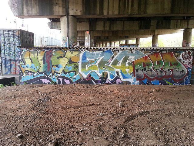 BCN: Graffiti. by autekiller, via Flickr