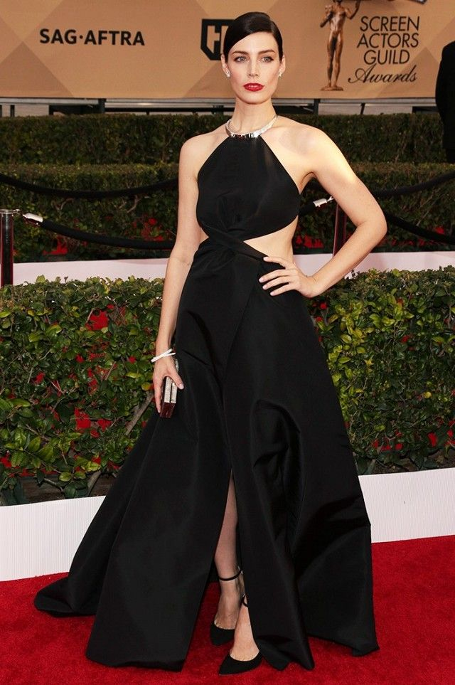 WHO: Jessica Pare WHAT: Nominee, Best Ensemble Cast in a TV Series Drama for Mad Men WEAR: Jimmy Choo clutch and shoes.