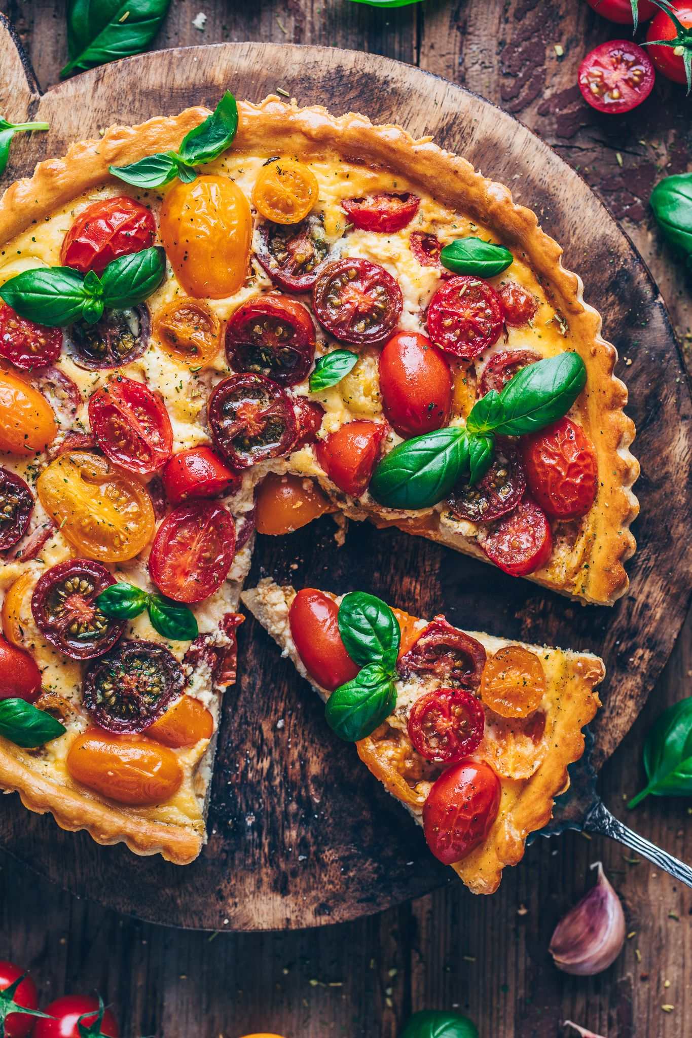 Bunte Tomaten-Tarte | Vegane Quiche - Bianca Zapatka | Rezepte #easypierecipes