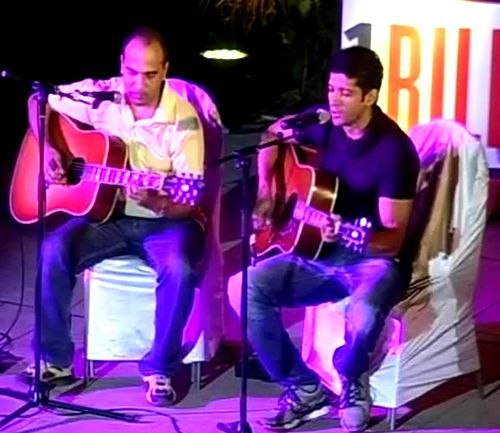 Farhan Akhtar sings for a cause http://ndtv.in/12HYp0h
