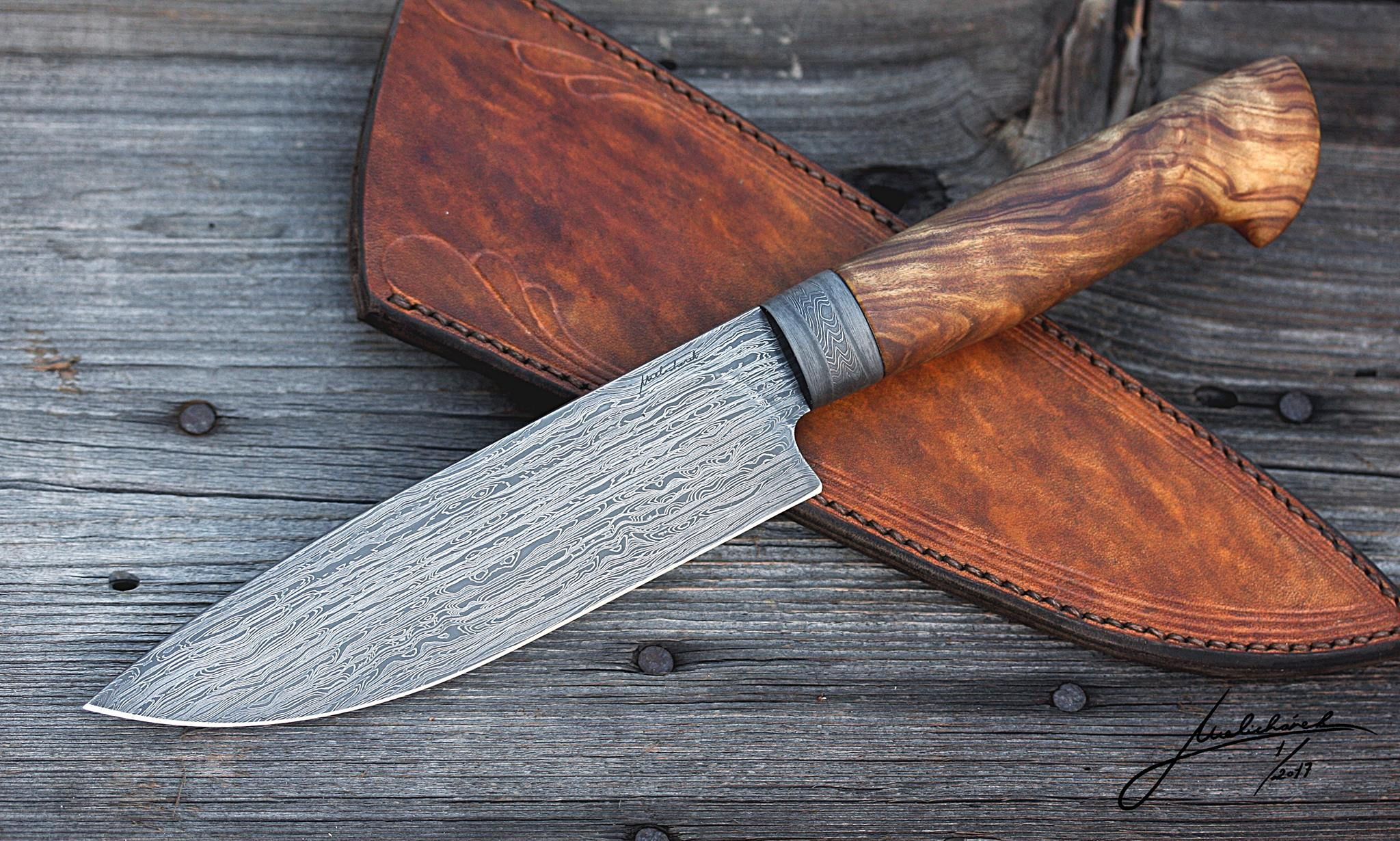 Duun Damascus BBQ knife with olive handle Leather working