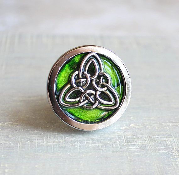 Green Celtic Knot Drawer Pull Cabinet