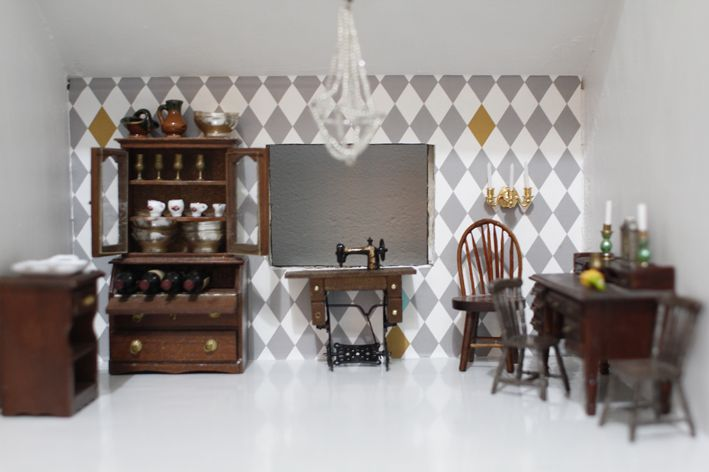 I love this doll house's wallpaper