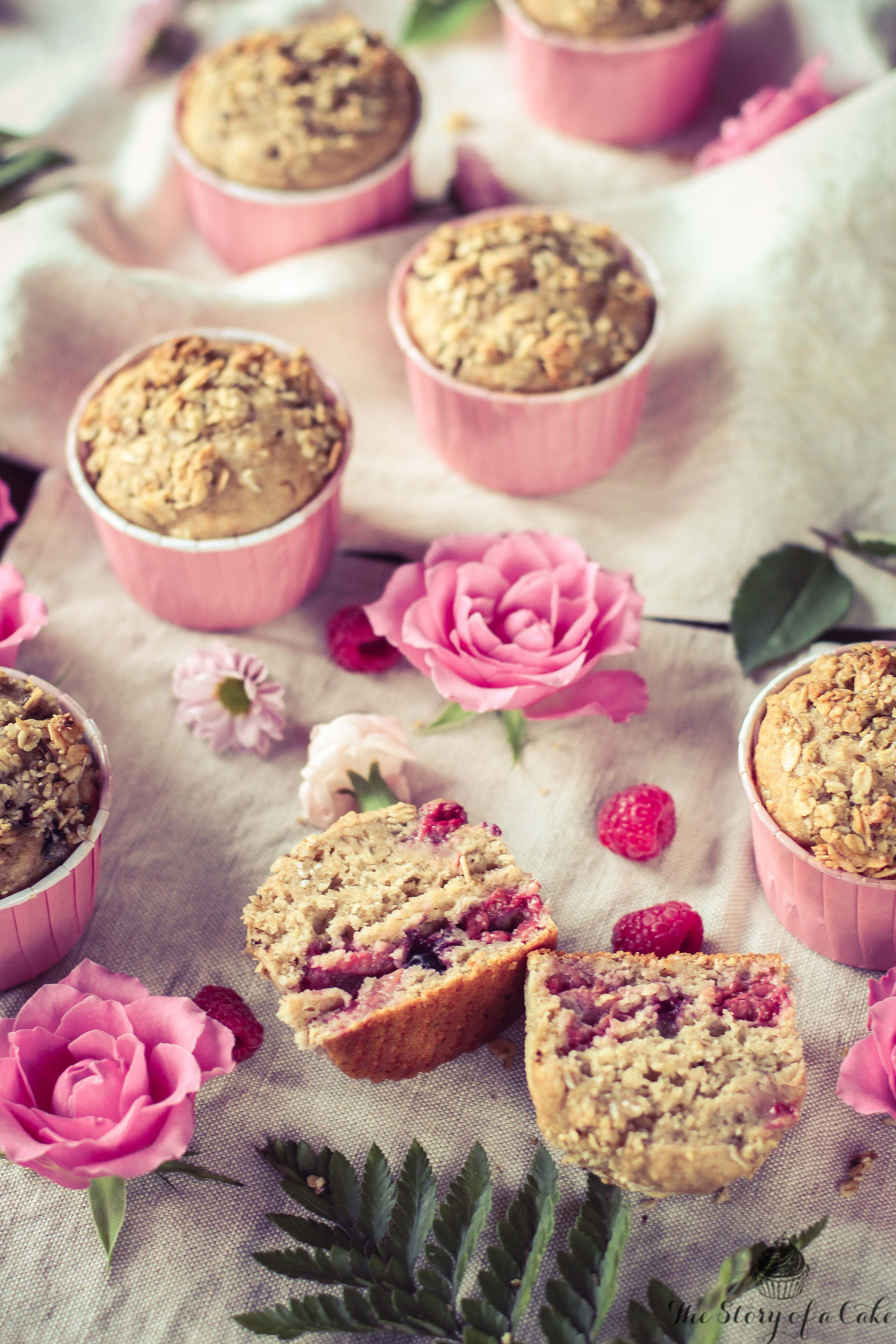 Banana raspberry muffin