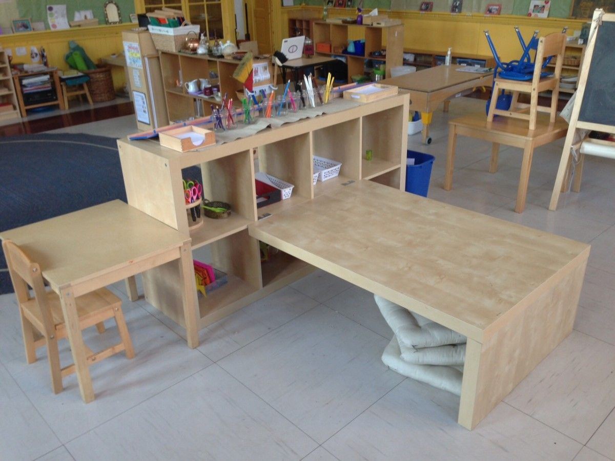 expedit preschool children 39 s table shelving pinterest organisation classe maternelle et. Black Bedroom Furniture Sets. Home Design Ideas