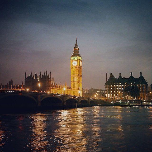 "#London #Londres #UK #GB .................. #GlobeTripper® | https://www.globe-tripper.com | ""Home-made Hospitality"""