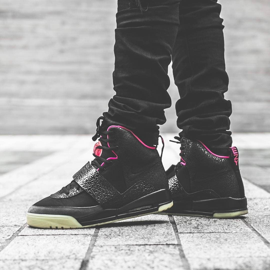 Nike Air Yeezy 1 Blink Sneakers Shoes Outfit Skate Wear Outfits With Hats