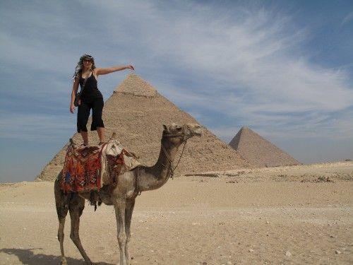 Explore Egypt If You Want To Travel Back In Time This Summer Egypt Piramides De Egipto Egipto Gran Pirámide De Guiza
