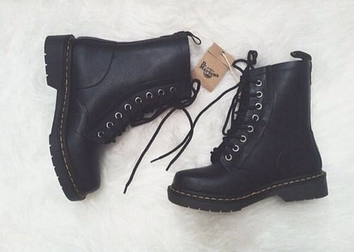 anyone feeling nice please feel free to get me some dr martens!