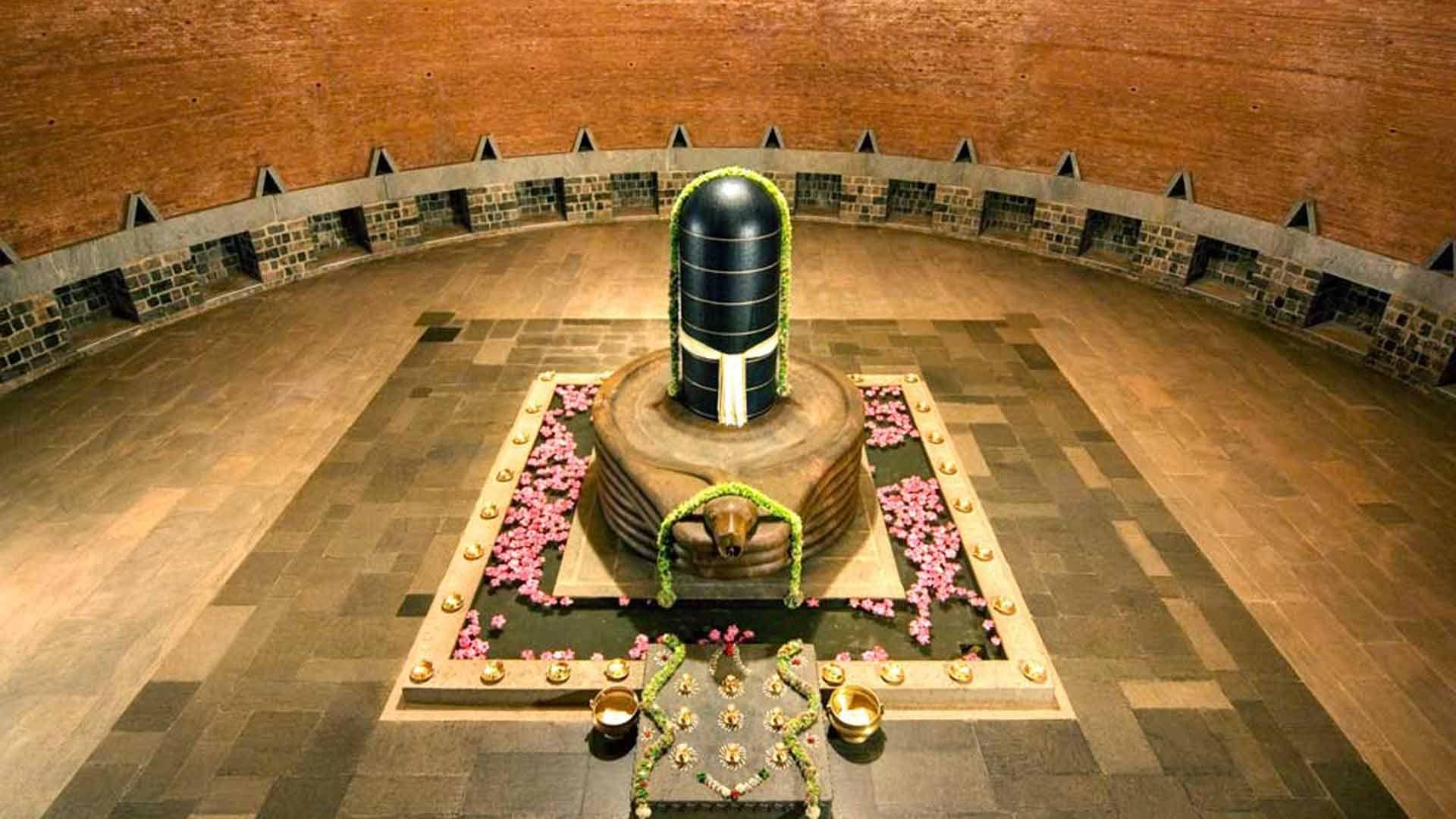 Keeping Spirituality Alive In Its True Essence Shiva Isha Yoga Shiva Linga