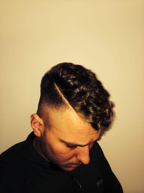 Men's Hair - #skinfade #curls #sideparting - by Ryan Bartlett Hair