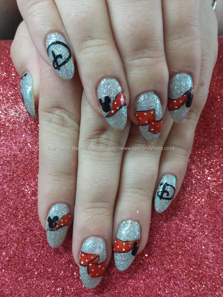 Freehand mickey and minnie disney nail art | Nail art | Pinterest