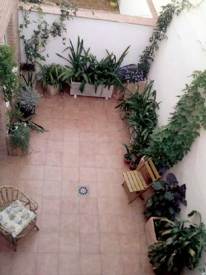 Decoracion de patios y jardines peque os buscar con for Decoracion para patios pequenos