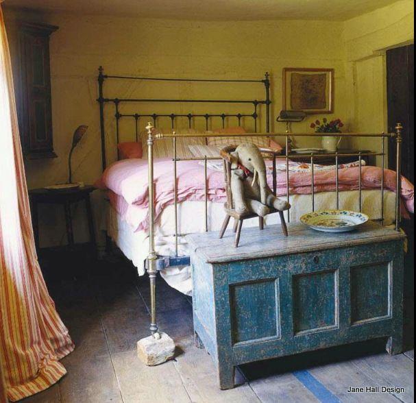 Rustic Style English cottage featured in World of Interior interior design magazine
