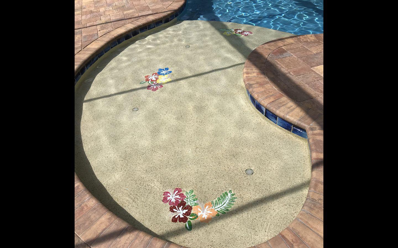 Fiore 94 Bisazza.Handut Byzantine Glass Mosaic Tile Hawaiian Hibiscus Flowers And