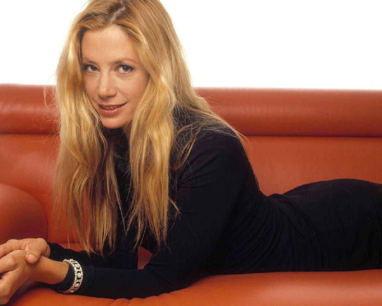 mira sorvino accent