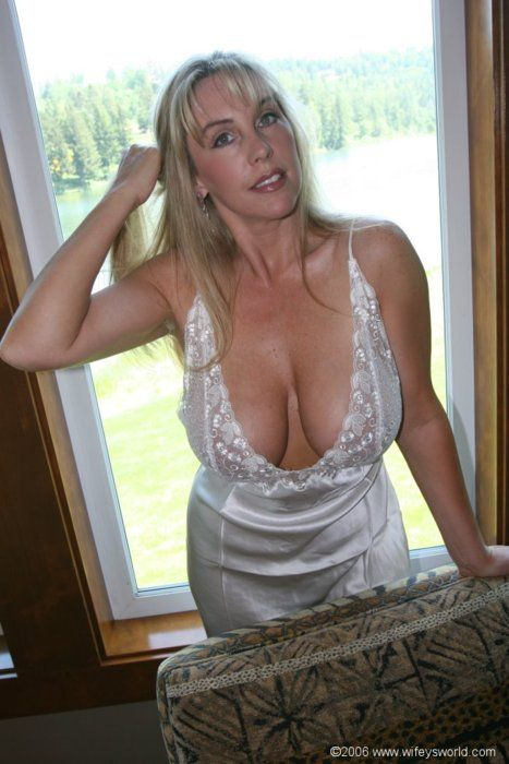 Cougar milf galleries shes hot