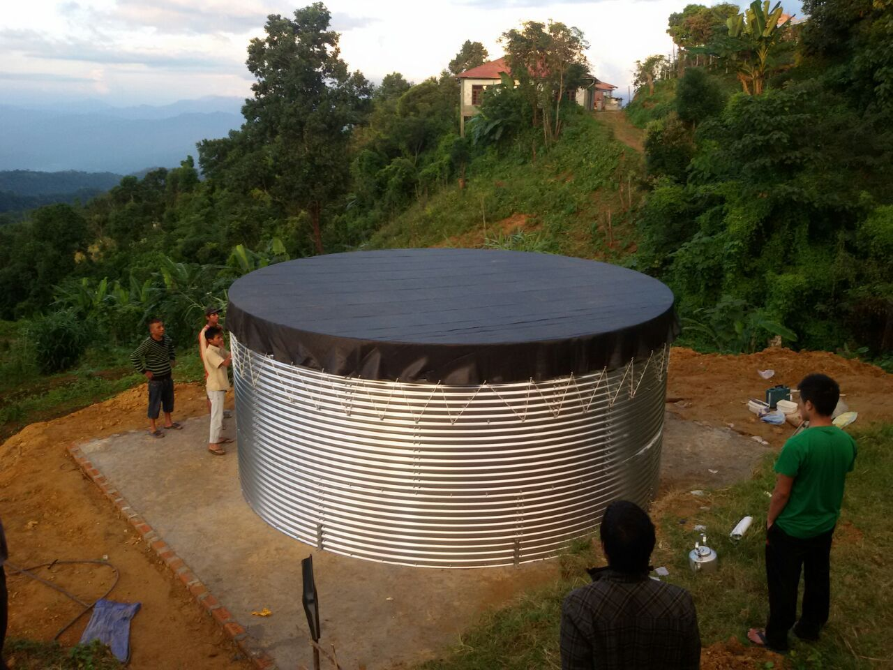 We at Wetcomb leading water solution company provide Drinking Water Tank,Tank,Water Tank,Waste Water Tank, Galvanized Water Tank all at the best quality products.