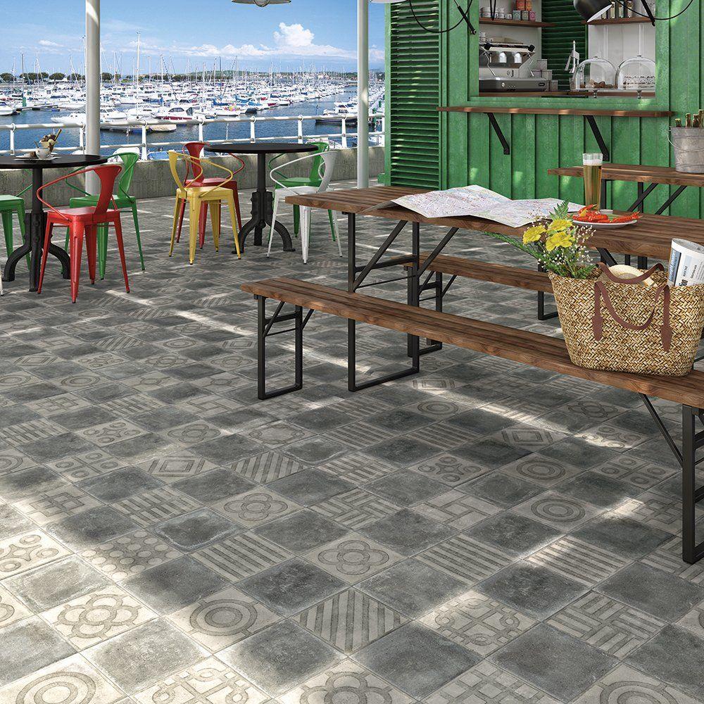 Un Carrelage De Terrasse Facon Carreaux De Ciment Saint Maclou
