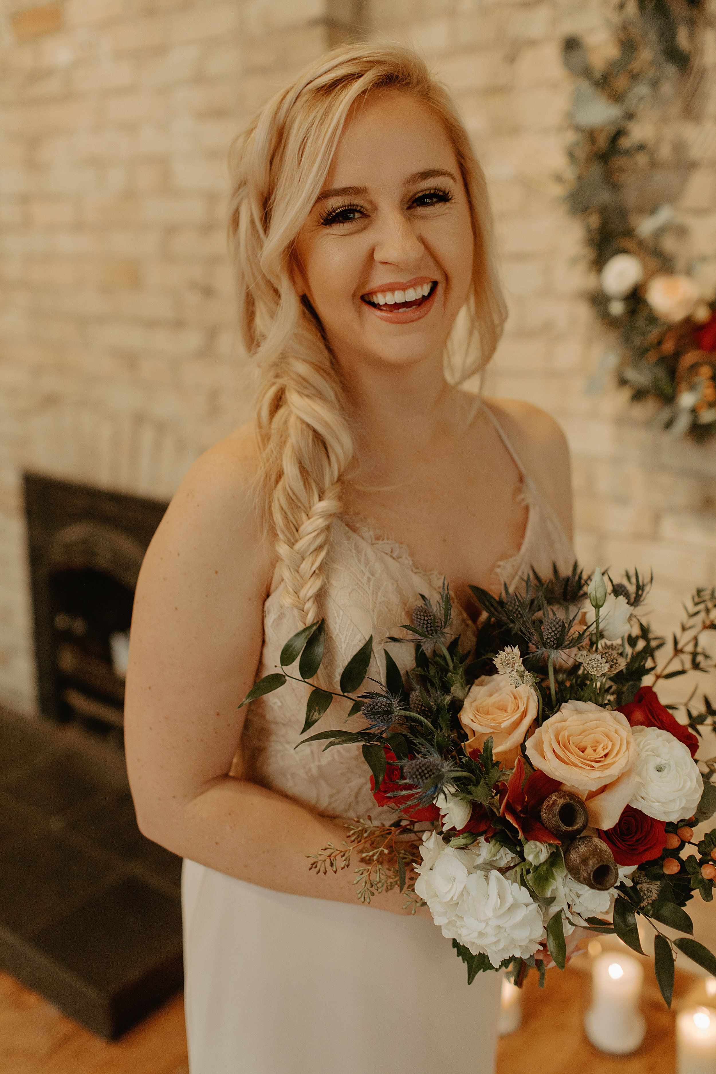 Downtown Milwaukee Wisconsin Wedding At Onesto Boho Wedding Hair Wisconsin Wedding Wedding Hair And Makeup