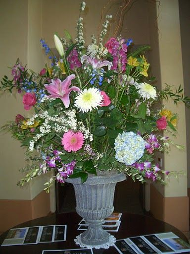 Buffet arrangement large flower centerpiece blue for Pink and blue flower arrangements