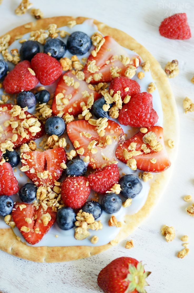 Easy Fruit Breakfast Pizza