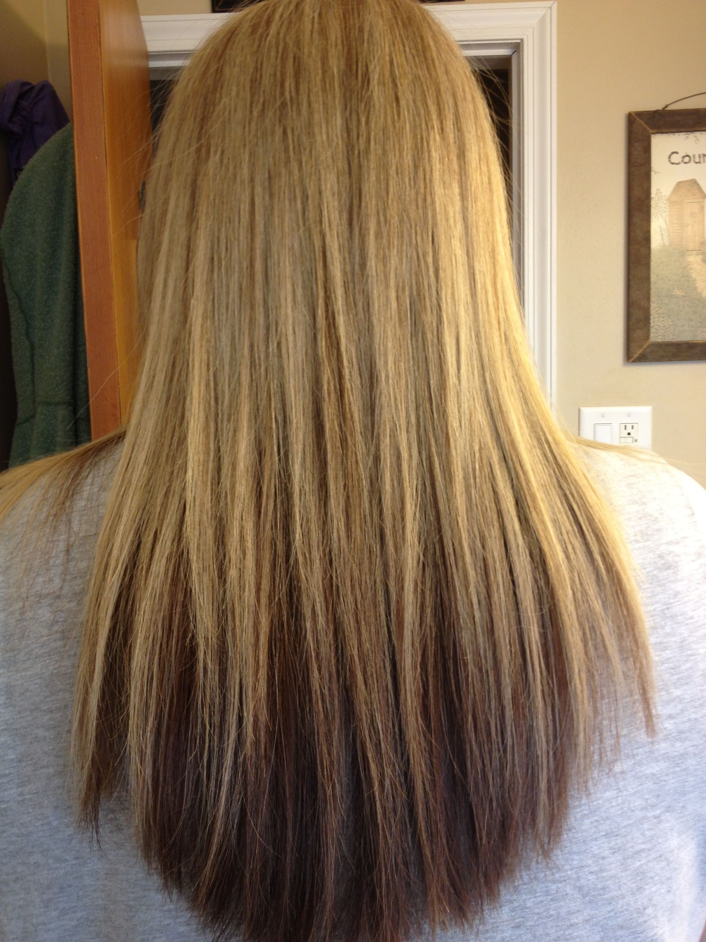 Two Tone Blonde With Darker Underneath Foils Hair Styles Hair