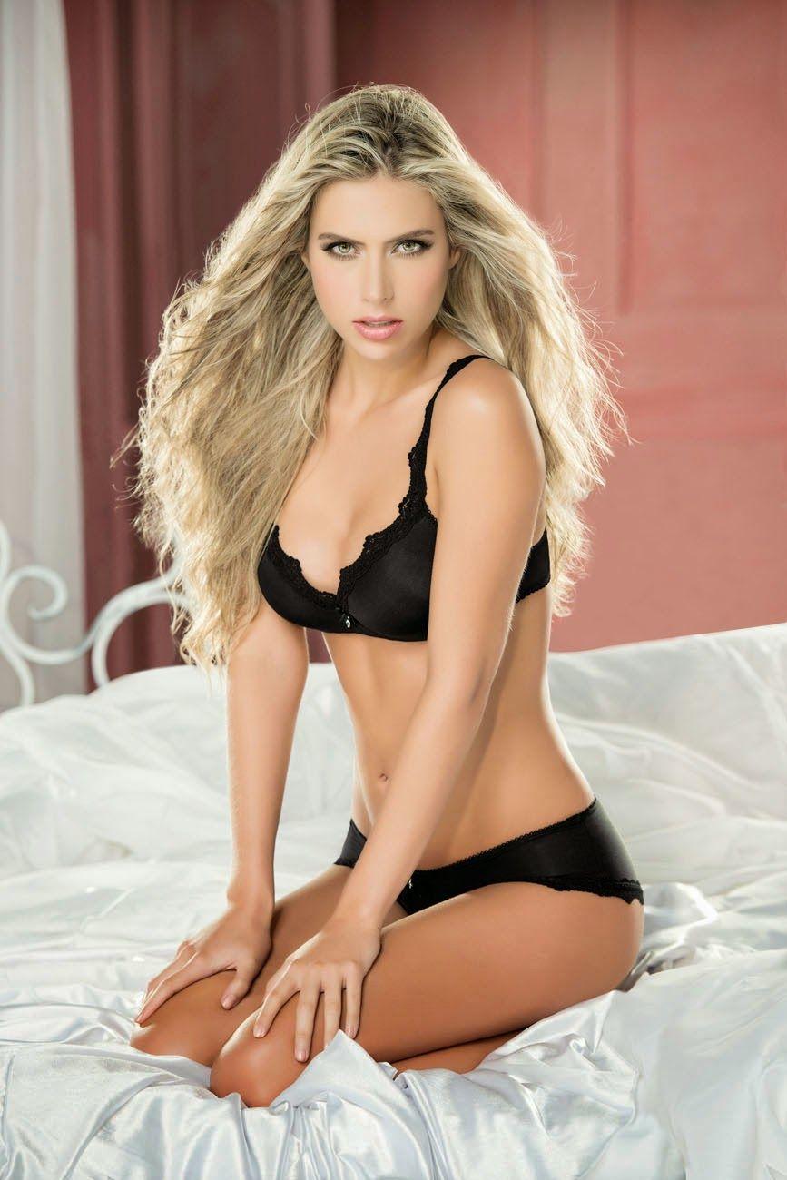 Lotte Verbeek Topless. Leaked