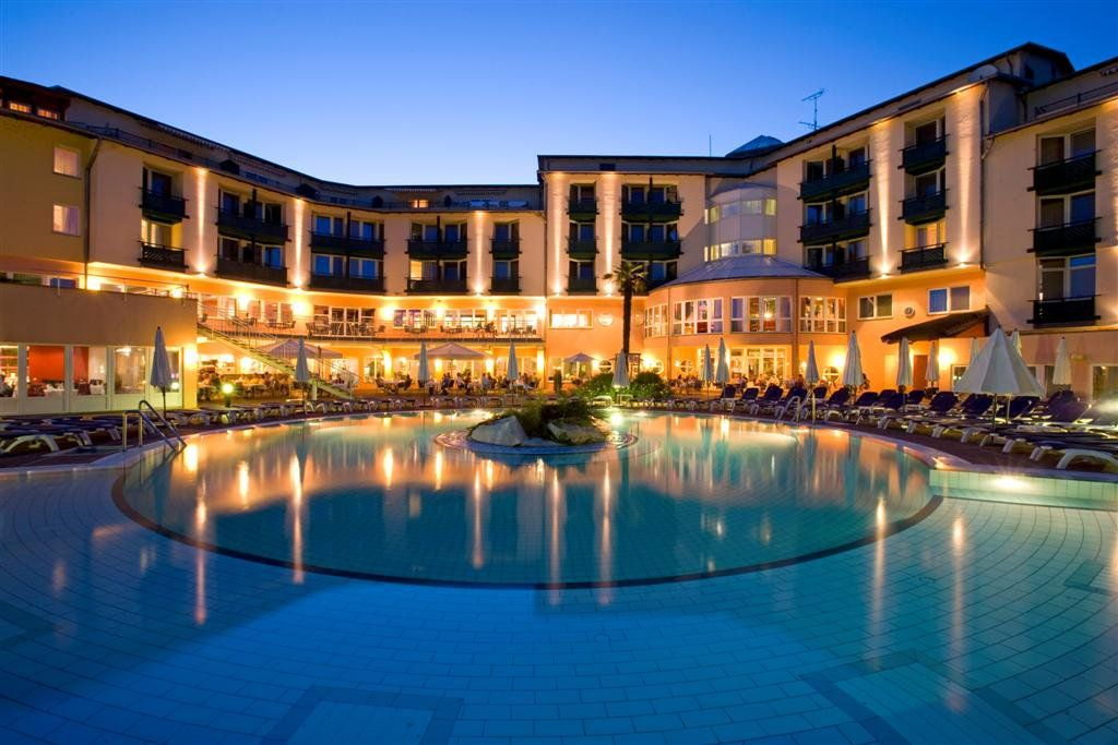 Lotus Therme Hotel Spa 5 Sterne By Night Spa Hotel Therme Hotel
