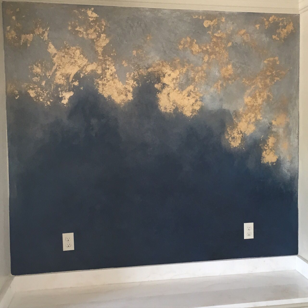 Dark Red Accent Wall With Metallic Gold: Accent Wall Metallic Plaster Gold Foil