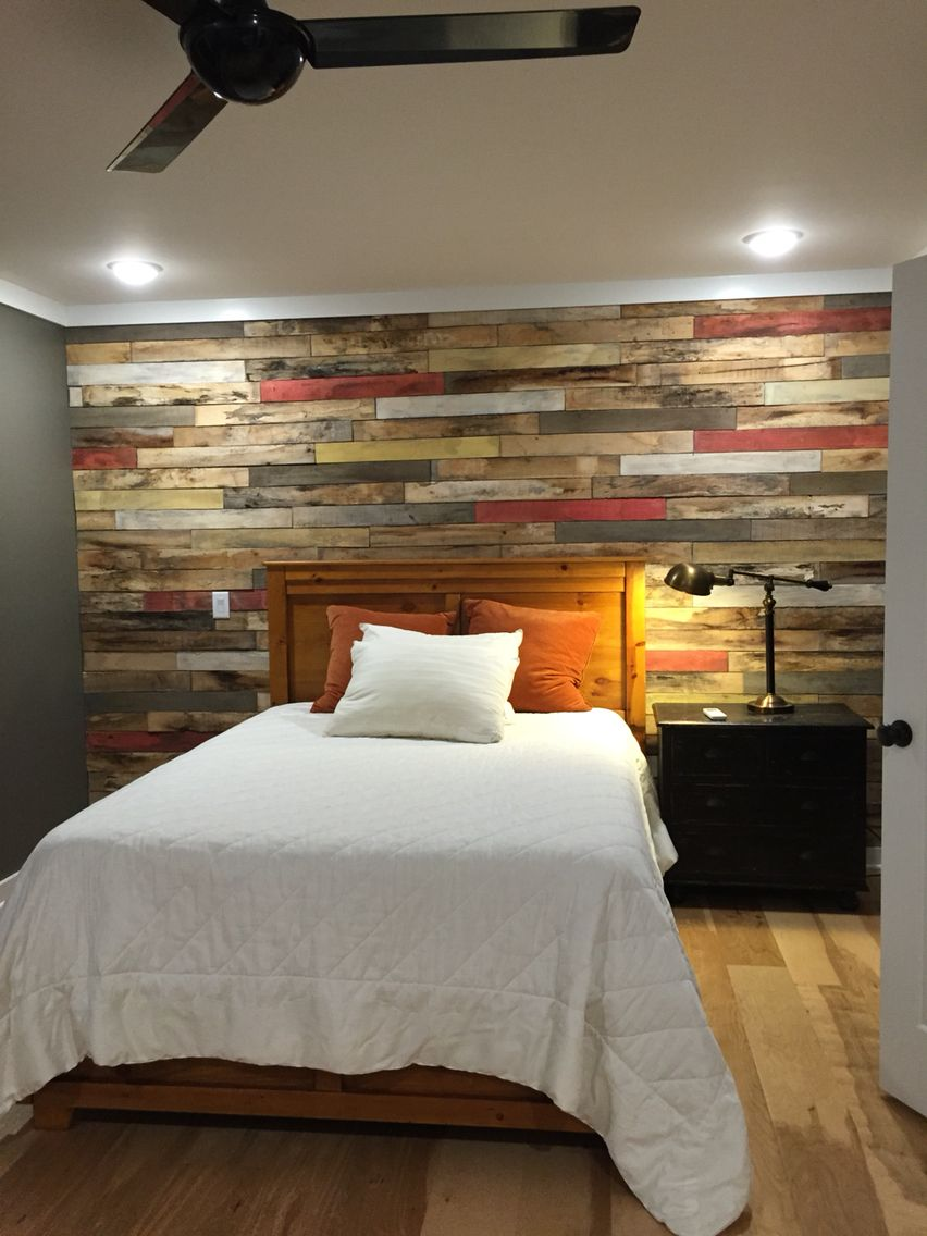 Pallet wood wall in Seth's apartment. in 2019 | Home decor ...