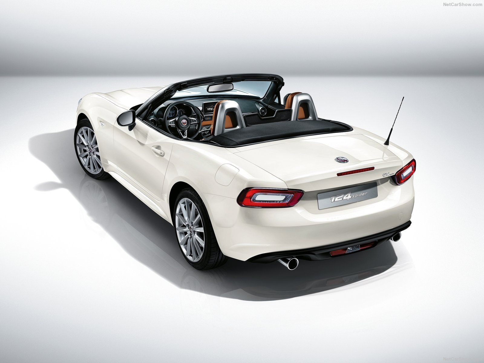 New Fiat 124 Spider Unveiled Almost 50 Years After Predecessor Launched Motortorque