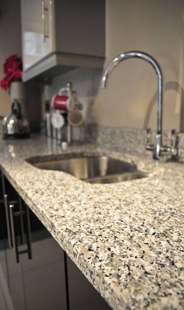 Der hohe Quarzanteil macht Rosa Beta besonders abriebhart   - küchenarbeitsplatten online bestellen