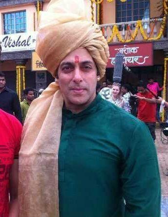"First look: Salman Khan as Prince Vijay in ""Prem Ratan Dhan Payo"" 0"