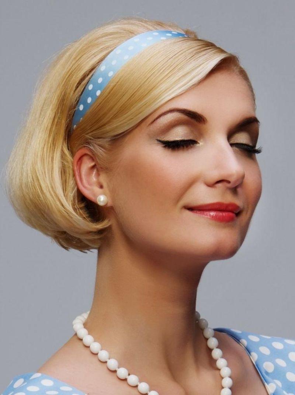 24 Herrliche Ideen Fur Effektvolle Frisuren Mit Haarband Vintage Frisuren Haarband Frisur Kurze Haare Haarband