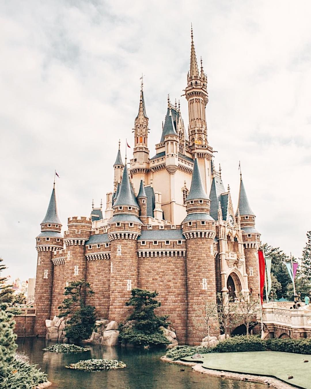 Pin By Brenna Hayes Travel Blogger Content Creator On Disney
