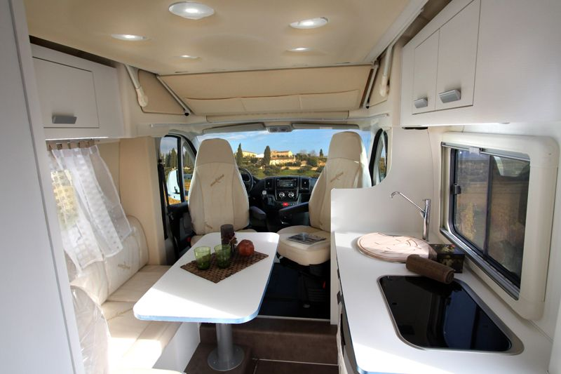 wingamm brownie 5 8 gl wohnmobil 6233924500 mieten. Black Bedroom Furniture Sets. Home Design Ideas