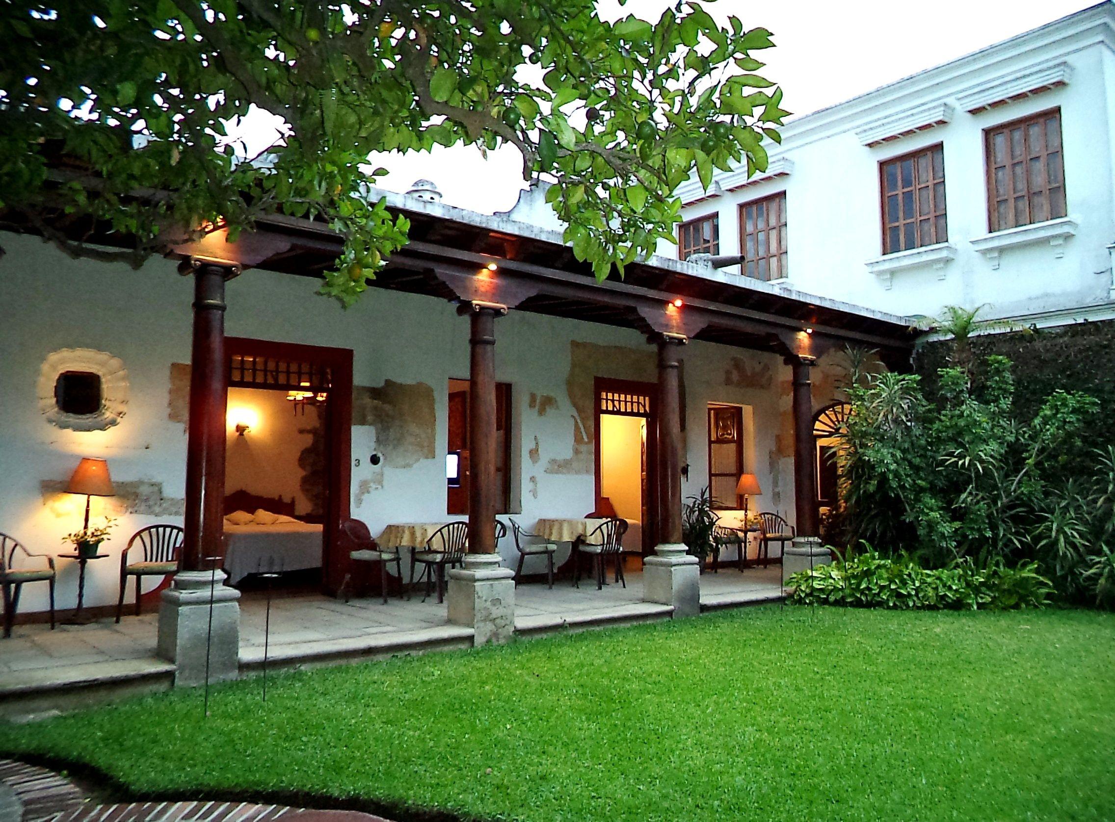 Resultado de imagen para casas en antigua guatemala - Ver jardines de casas ...