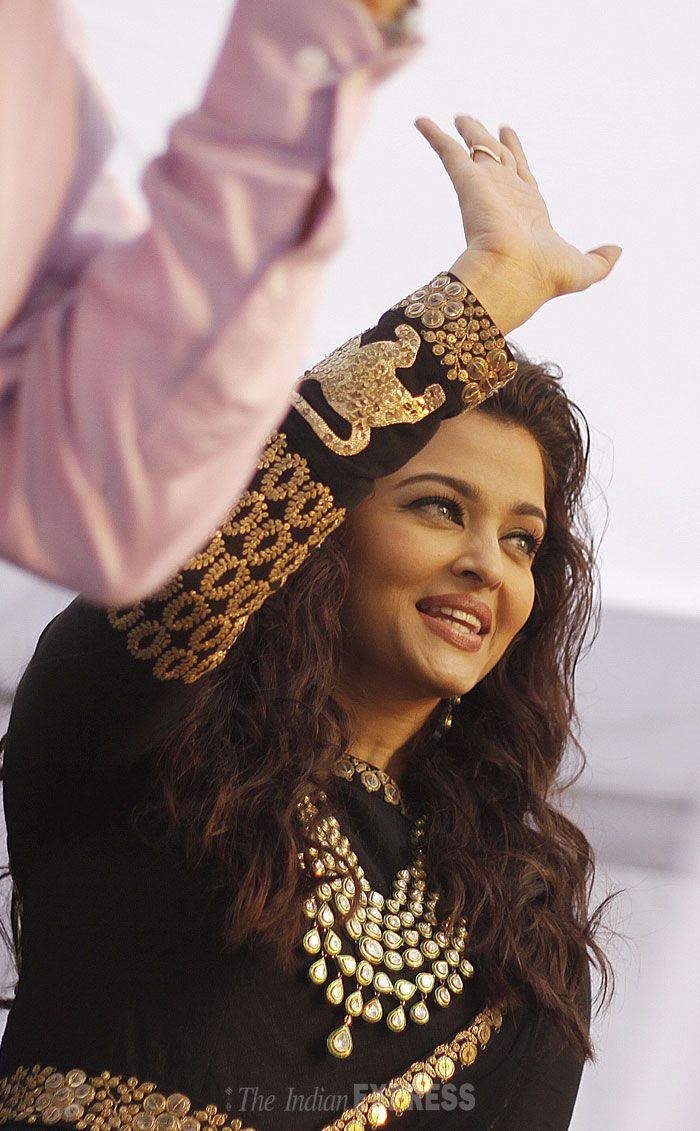 Saree jewellery images aishwarya looked ravishing in a black floor length anarkali with