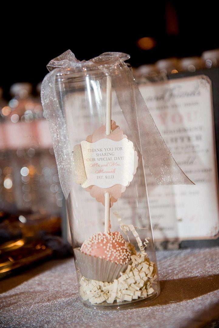 Beautiful Wedding Gifts: Beautiful Cake Pop Wedding Favors
