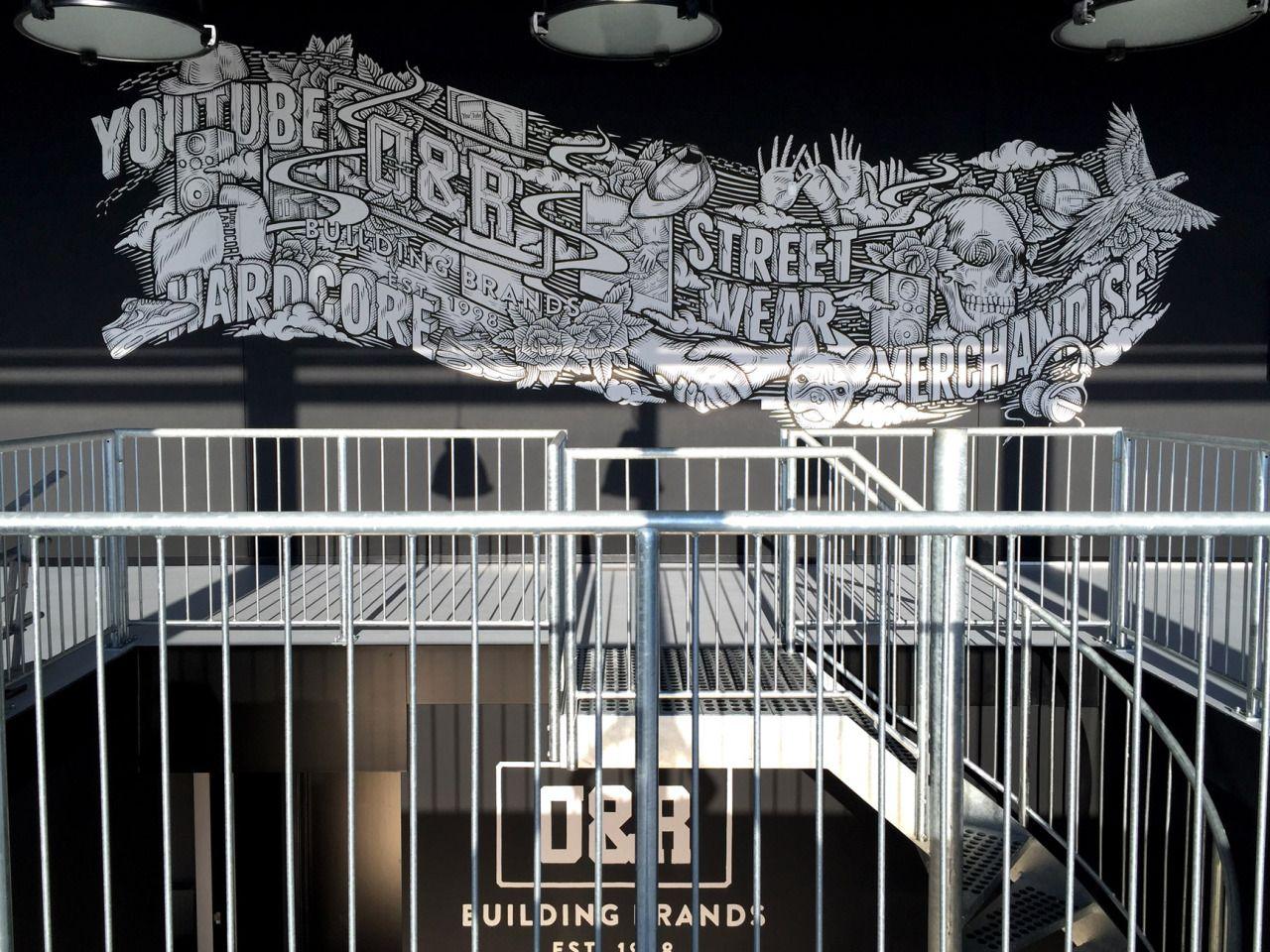 Handpainted Mural at O&R Building Brands. By Ralf van de Kerkhof, Rotterdam, Holland.    Amsterdam, Rotterdam, vintage illustration, crosshatch, portraid illustration, drawing, artwork, crosshatch, mural, muurschildering, wandschildering, woonkamer, interieur styling, wand decoratie, vtwonen, vt-wonen, poster behang, beton look