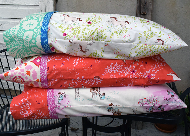 Make This Burrito Pillowcase With One Way Fabric Tutorial Sewing