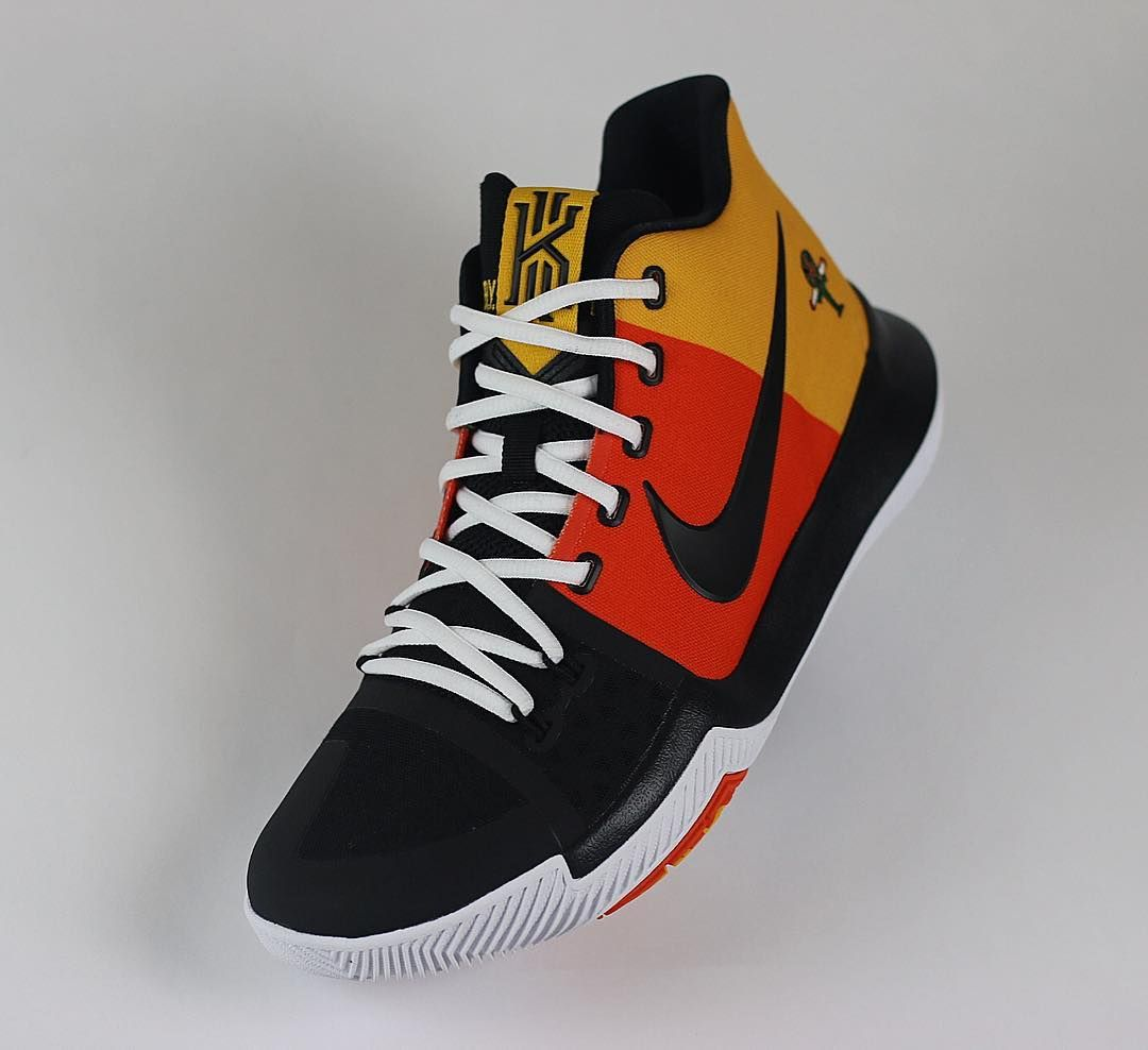 f024962e6609 nike-kyrie-3-raygun-front (1080×988)