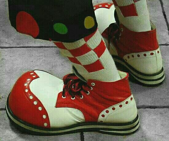 sotto salvare laringe  Clown shoes! | Clown shoes, Vintage clown, Clowning around