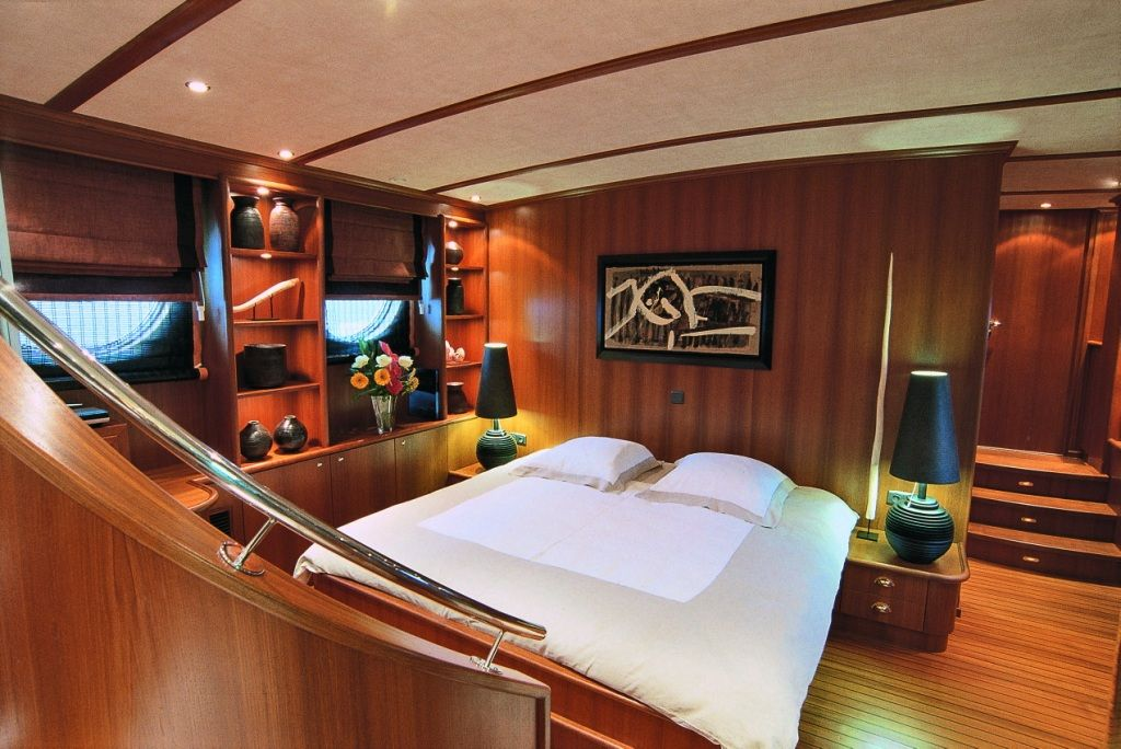 Master Bedroom Polycarpus – Superyachts News, Luxury Yachts, Charter & Yachts for Sale.