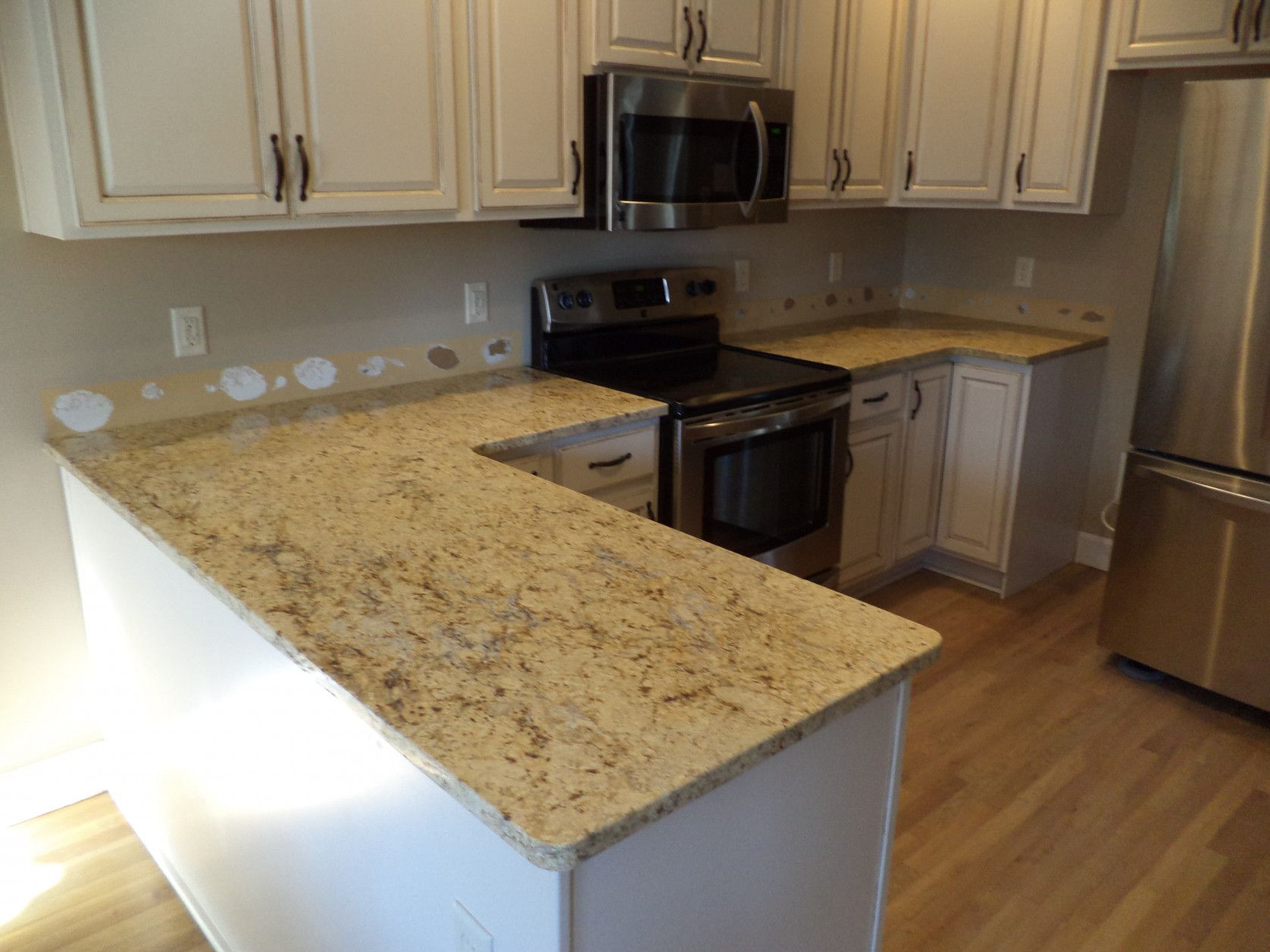 cream kitchen cabinet ideas gadget stores 99 43 colonial granite with white cabinets