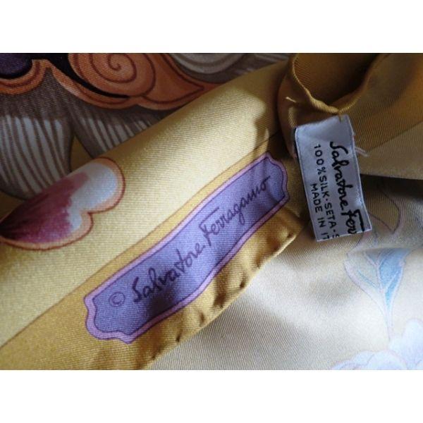 b2f69220595f SALVATORE FERRAGAMO carré soie,foulard,accessoire femme,ferragamo seta  sciarpa,seidentuch,